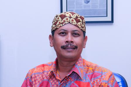 Dr. Drs. Teguh Yuwono, M.Pol.Admin